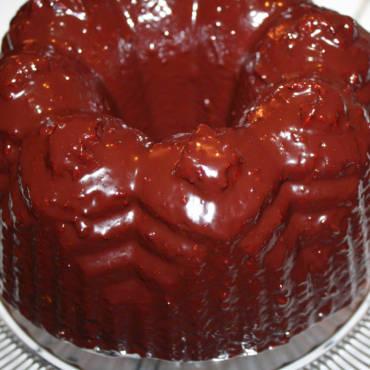 Chocolate Raspberry Glazed Bundt Cake