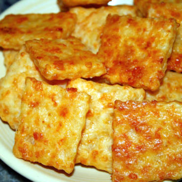 Cheddar Cheese Asiago Crackers