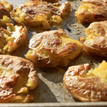 """""""Smashed"""" Garlic Golden Potatoes"""